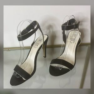 𝐁𝐂𝐁𝐆 women's black with white trimmed sandals
